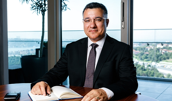 """PANELDER Yönetim Kurulu Başkanı İhsan Tolga Akar: """"Kısıtlamalara Rağmen Sandviç Panel Sektörü İyi Bir Yıl Geçirdi"""" class="""