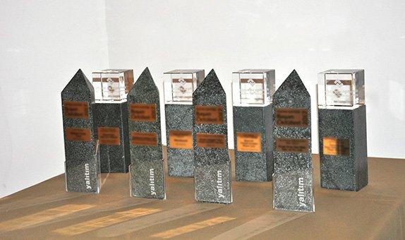 Yalıtım Sektörü Başarı Ödülleri İle Çatı ve Cephe Malzemeleri Ödülleri'nin Kazananlarına Ödülleri Takdim Edildi